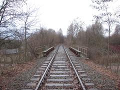 DSCN5423 (TajemniczaIstota761) Tags: industrial railway embankment przemysł zmpw nasyp bocznica siding viaduct wiadukt bridge