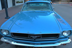 Californian Mustang (Paul Beech) Tags: mustang americanmuscle ford classiccar blue usa california horsepower headlights frontgrill style icon iconic
