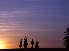 ciao (laeli) Tags: africa sunset backlight contraluz tramonto desert minolta sudan silhouettes next oasis faves controluce deserto oasi top30 instantfave thebiggestgroup seenability ci33 concorsofotograficogesacai 1premio nextphoto desertbreath