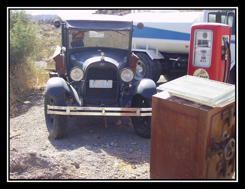 Ford / seen in Oatman / Route 66