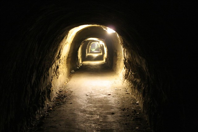 深夜のトンネル