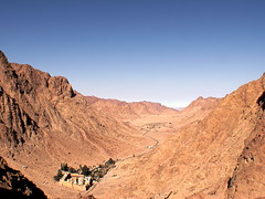 Sinai: how's this for perspective? (phool 4  XC) Tags: ancient egypt christian monastery orthodox orthodoxchristian sinai  stkatherines 6thcentury  phool4xc