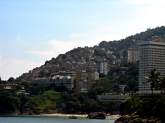 Favela (Jeff Belmonte) Tags: poverty brazil sky praia beach brasil riodejaneiro cu favela morro slum rocinha shantytown shacks pobreza vidigal barraco settlementofpoorlybuiltshacks