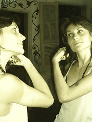 Fafa Salvaya (Petite Poupe7) Tags: art mulher amiga reflet linda beleza myjob decorao reflexo santateresa byme fafa loveisdivine decomju pintando7 fafasalvaya francoitaliennebresilienne