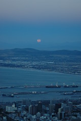 Moonrise (Louis Rossouw) Tags: blue moon southafrica capetown hike fullmoon moonrise lionshead