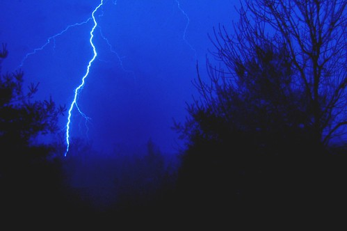 Zeus' Lightning Bolt by hugsRgood.