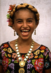 Juchitan 234 (Nicola Okin Frioli) Tags: portrait girl wow mexico photography photo foto photographer child dress nicola photojournalism oaxaca littlegirl suite reportajes reportage fotografo photojournalist juchitan messico reportero fotoreporter photoreporter okin frioli okinreport wwwokinreportnet nicolaokinfrioli fotogiornalista nicolafrioli