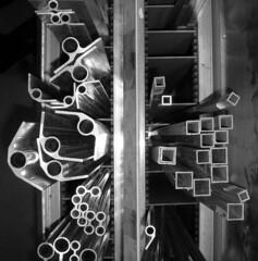 metal tubing bw