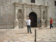 Brian at the Alamo (Brian Fountain) Tags: texas sanantonio alamo