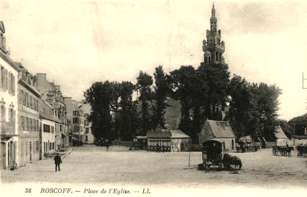 Roscoff - Place de l'Eglise