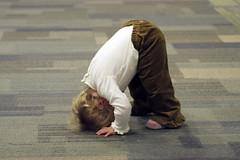 down dog (SpatialK) Tags: atlanta usa baby yoga kids georgia airport bonk heheh layover 1hourdelay downdog adhomukhasvanasana cutepinkshoes dothedarndestthings buttheyreneverboredarethey clunk flogged pictopia splorthumanity