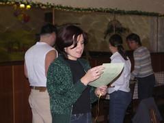 Blanka cte maturantskou listinu (Petr Havlik @ Prague) Tags: stuzkovak npu fero mgp masarykovogymnazium cert zbysek mara tajchy