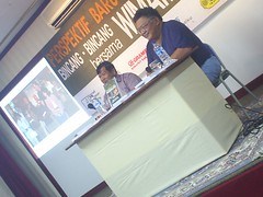 S3010088 (Perspektif) Tags: jogja yogyakarta wimar witoelar peluncuran buku perspektif baru melebarkan sayap byrizka gramedia book launch seminar