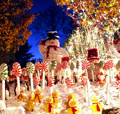 Only 18 More Shopping Days Till Christmas (Sister72) Tags: christmas xmas blue decorations red white snow yellow lights penguins sticks snowman nj plastic daystillchristmas monmouthcounty 18 sister72 holmdel peppermint gingerbreadmen takeabow brightblue plasticplasticplastic