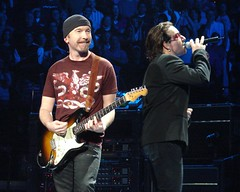 Bono & The Edge, 12\05\05, Boston, MA, TD Banknorth Garden (bonobaltimore) Tags: u2 mbk bostonma cf sak tdbanknorthgarden vertigotour2005 bonobaltimore december52005 michaelkurman mikekurman