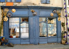 nice old time (nicephore) Tags: blue hat hardware nice bleu boutique chapeau oldtime lavand