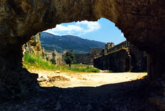 Anamur (scan0046) (John Irving Dillon) Tags: castle turkey turkiye fortress castello var castillo hrad burg zamek chateaufort anamur crusadercastles