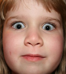 Zoë (enjae) Tags: eyes greeneyes cropped zoë sleepover pupils agesix tc28closeup