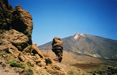 Los Roques and Teide (bea2108) Tags: beautiful wow landscape kanaren tenerife teide canaryislands losroques interestingness476