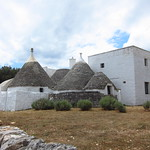 "Trulli <a style=""margin-left:10px; font-size:0.8em;"" href=""http://www.flickr.com/photos/14315427@N00/19353947731/"" target=""_blank"">@flickr</a>"