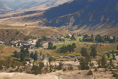 Downtown (Guyser1) Tags: buildings landscape town scenic mammoth yellowstonenationalpark yellowstone newtopographics canoneos40d