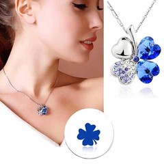 สร้อยคอคริสตัล แฟชั่นสวยหรูสวมนำโชค Crystal Lucky Clover Necklace นำเข้า สีน้ำเงิน - พร้อมส่งW330 ราคา370บาท ให้สาวๆมีโชคดีร่าเริงพร้อมด้วยดีไซน์ใหม่สวยหรูทันสมัย และสนุกได้กับทุกสถานที่ จับสร้อยคอแฟชั่นจี้รูปทรงใบไม้หัวใจแห่งการนำโชคคริสตัลสีน้ำเงินมาแมท