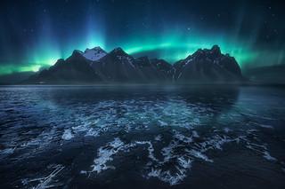 Frozen World, The Crown