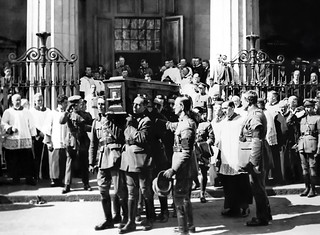 Coffin of Michael Collins being carried from the Pro-Cathedral retouched extra largel