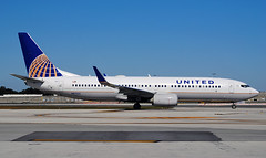 United Airlines Boeing 737-800 (Infinity & Beyond Photography: Kev Cook) Tags: united airlines boeing 737800 b737 aircraft airliner fll kfll fort lauderadle airport n87531 winglets