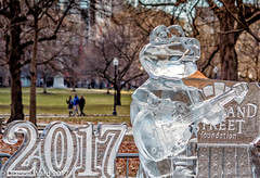 1/365 Happy New Year (Tewmom) Tags: boston newyear 2017 icesculpture 365the2017edition 3652017 day1365 1jan17