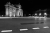 Puerta de Alcalá - Madrid (JNacher) Tags: madrid puertadealcalá blancoynegro paisajeurbano urbanlandscape luces lights largaexposición longexposure nikon d5100 tokina1116