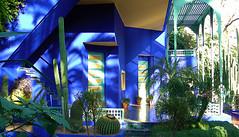 Villa Oasis, jardin Majorelle (Des Goûts et des Couleurs) Tags: maroc marrakech majorelle jardin botanique botanics gardens tourisme blog dgdc desgoûtsetdescouleurs charlottedumas travel voyage bleu blue