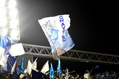 ET Port 170212 006 Torcida bandeiras orayeieo (Valéria del Cueto) Tags: portela ensaiotécnico bateria escoladesamba riodejaneiro samba sapucaí sambódromodarciribeiro apoteose carnaval carnival carnevaleriocom carnevaledirio valériadelcueto azul brasil brazil águia bandeira