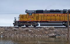 Wendover local (rolfstumpf) Tags: usa utah saltlake burmester wp up sd402 emd train railway railroad dam causeway water