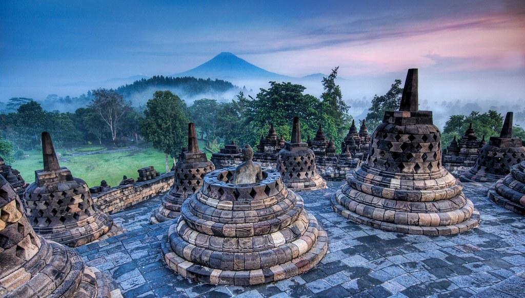 1Nét cổ kính của cố đô Indonesia