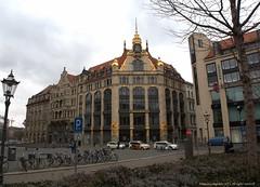 Commerzbank, Leipzig. (Ivan Mauricio Agudelo Velasquez) Tags: building edificio banco bank fachada biciquletas