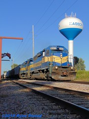 Memory Train Pic 5 (Ryan Distad) Tags: railroad minnesota train watertower elevator siding eastern dakota dme 471 emd kasson sd403
