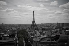 Eiffelturm (BL Fotografie) Tags: sky bw paris france clouds de frankreich sony eiffeltower arc triomphe himmel wolken m3 eiffelturm rx100