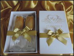 Kit Duplo Branco com dourado (contato@mondy.com.br) Tags: lembrana casamento taas brinde madrinha pais noivado padrinho noivos personalizados noivinhos brases caixasparapresente