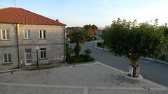 Ano 2014: Obras de empedrado da contorna da Casa do Concello de Sandiás (Ourense) (Xav Feix) Tags: obras empedrado adoquinado memoria concellodesandiás ourense galicia rural limia