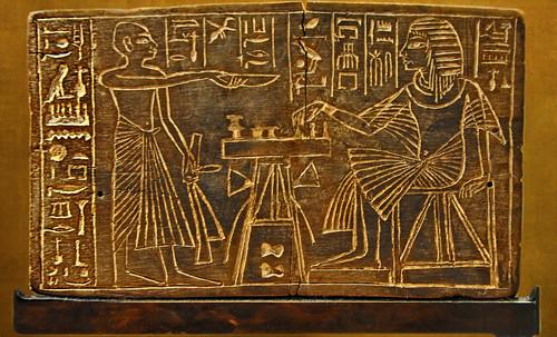 "Senet - Lujoso sistema de objetos lúdicos obsequio del dios Toht a la faraona Nefertari • <a style=""font-size:0.8em;"" href=""http://www.flickr.com/photos/30735181@N00/32481168096/"" target=""_blank"">View on Flickr</a>"