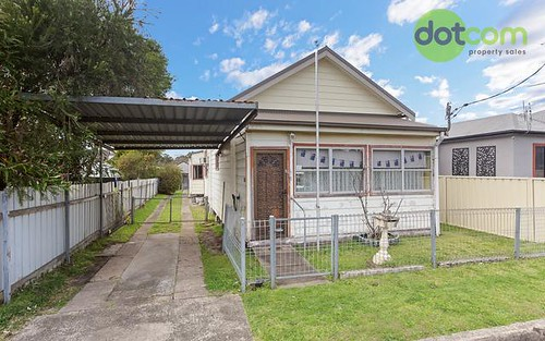 19 Grove Street, Waratah NSW 2298