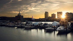 Sunrise on Charles' Pier (Cristian Malevic) Tags: 2470d810 amanhecer arlivre barco boat boston buildings charlesriver clouds colorido daylight filtroslee leefilters longexposure longaexposição luzdodia morning museudeciências museumofcience nd06 nascerdosol nikon nuvens outdoor pier polarizador polarizer prédios raiosdeluz reflex reflexo rio river sol starburst sun sunrise usa water color água cambridge massachusetts estadosunidos us