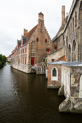 Canals in Brugge (RobGreenow) Tags: canal water canon l eos 7d canoneos7d canon7d buildings brick red redbrick waterway