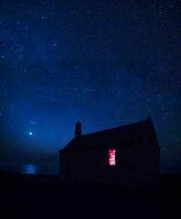 la chapelle (fubu.flemm) Tags: sea mer france monument night stars seaside bretagne soir nuit chapelle toiles ocan borddemer landunvez