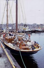 Atlantica (1991 July 10 mod) (AngusInShetland) Tags: film 35mm scotland sailing slidefilm tallship shetland lerwick atlantica ketch victoriapier canoscan5600f skgm