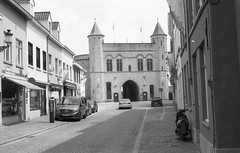 A Sunday in Bruges (.:Axle:.) Tags: urban bw streets history film 35mm blackwhite belgium kodak stock rangefinder medieval historic canals contax plazas bruges 135 asa200 xtol contaxg2 filmphotography doublex 5222 eastmandoublex5222 filmisalive carlzeissplanar245t believeinfilm waterloo200 thewaterloojournal