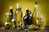 enolab (enologia.blog) Tags: olio oliodoliva extravergine bottiglie olive imbottigliare frantoio naturale grezzo condimento sano qualit italiano mediterraneo dietamediterranea stilllife rustico grasso vita italy