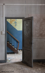 School's Out (Marian Smeets) Tags: schoolsout school urbex urbexexploring abandoned decay vervallen verlaten nikond750 mariansmeets 2016 trap stairs
