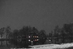 The Amstel River at Night. (WorldPixels) Tags: amstel winter snow river amsterdam